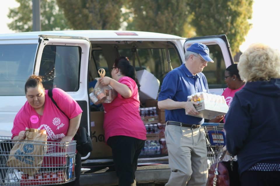 helpers unload van