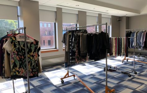 "Students Receive Professional Clothes and Advice at ""Dress for Success"" Event"